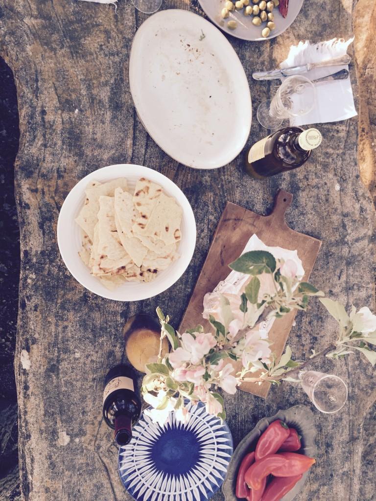 Gedeckter Tisch Grillen anjiko