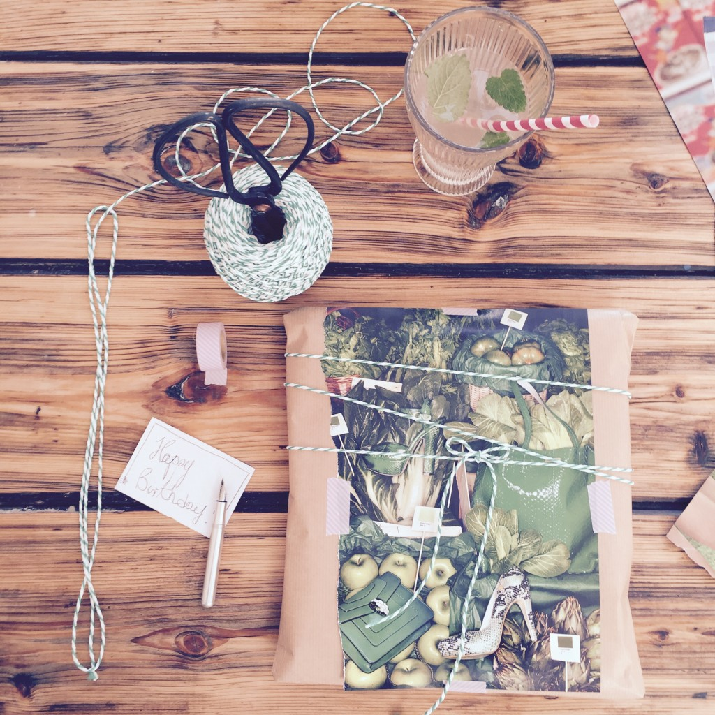 diy geschenke kreativ verpacken anjiko. Black Bedroom Furniture Sets. Home Design Ideas