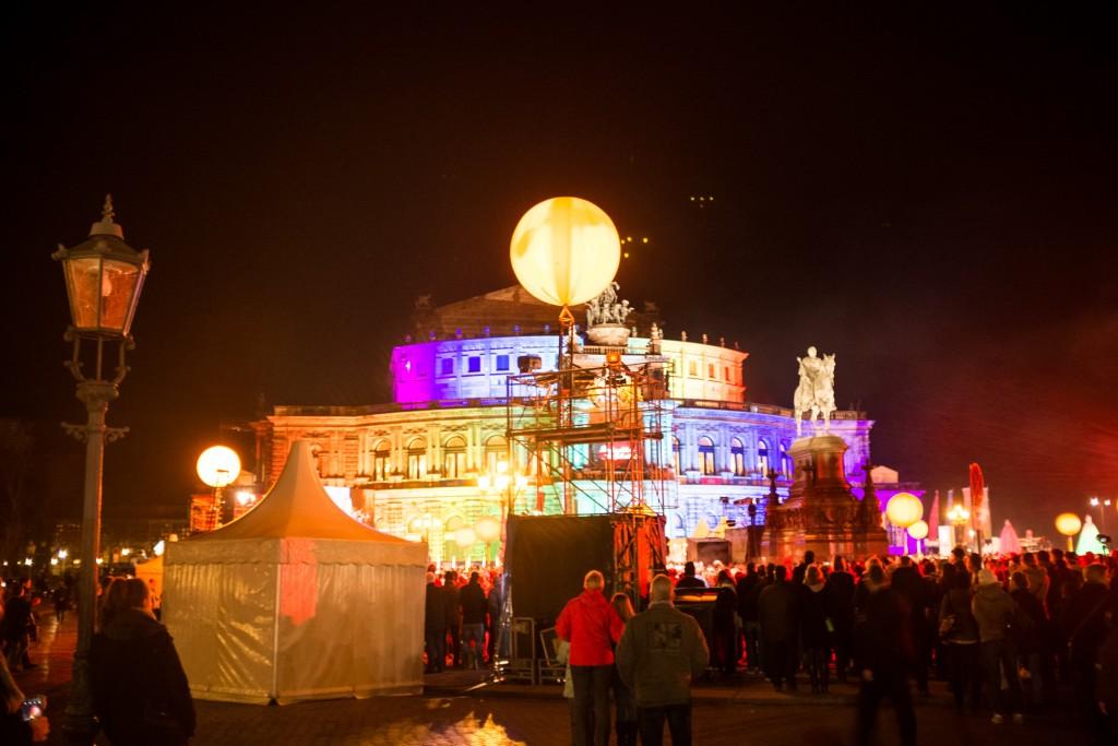 Ballrobe zum Semperopernball 2016 in Dresden. Outfittipps für das perfekte Ballklied im Blog. blog.anjiko.com Anja Krause Anjiko Fashion Sina Peschke, Prominente roter Teppich langes Ballkleid