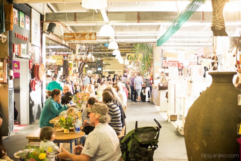 Farmers Harbour Market in Cape Town: Mehr im Blog. Anjiko. Anjikoblog, blog.anjiko.com Tipp, Markt, Reise, Travel, Kapstadt, Cape Town, Südafrika, South Afrika, Market, bio, organic, handmade, Food, Reise, Ausflug, Essen, Trinken, Afrika, Sehenswürdigkeit, Eat Out, Ausflug, Steak, Drinks, Lamm, Spezialitäten, Anja Krause, Banting, Vegan, healthy, gesund