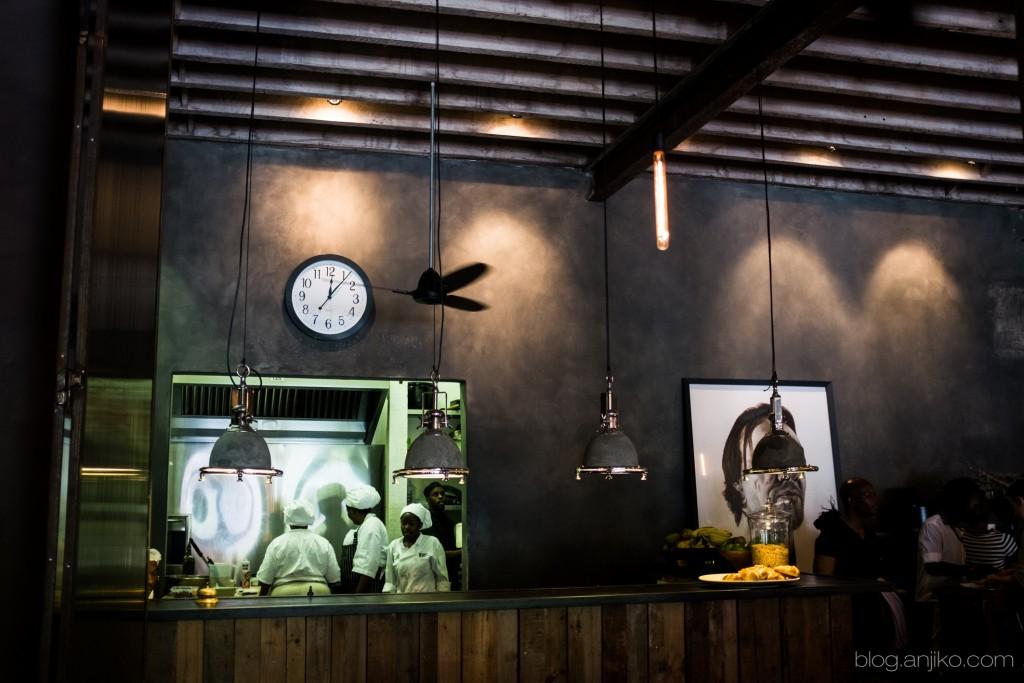 Haas: Restaurant Tipp in Kapstadt. Eat Out in Cape Town. Mehr im Blog. Anjiko. Anjikoblog, blog.anjiko.com Restaurant, Tipp, Empfehlung, Restauranttipp, Kapstadt, Cape Town, Südafrika, Essen, Food, Torte, Lemontarte, Haas, unbedingt, Mustgo, Hase, Edison, Industrial, Interior, Einrichtung, Anja Krause