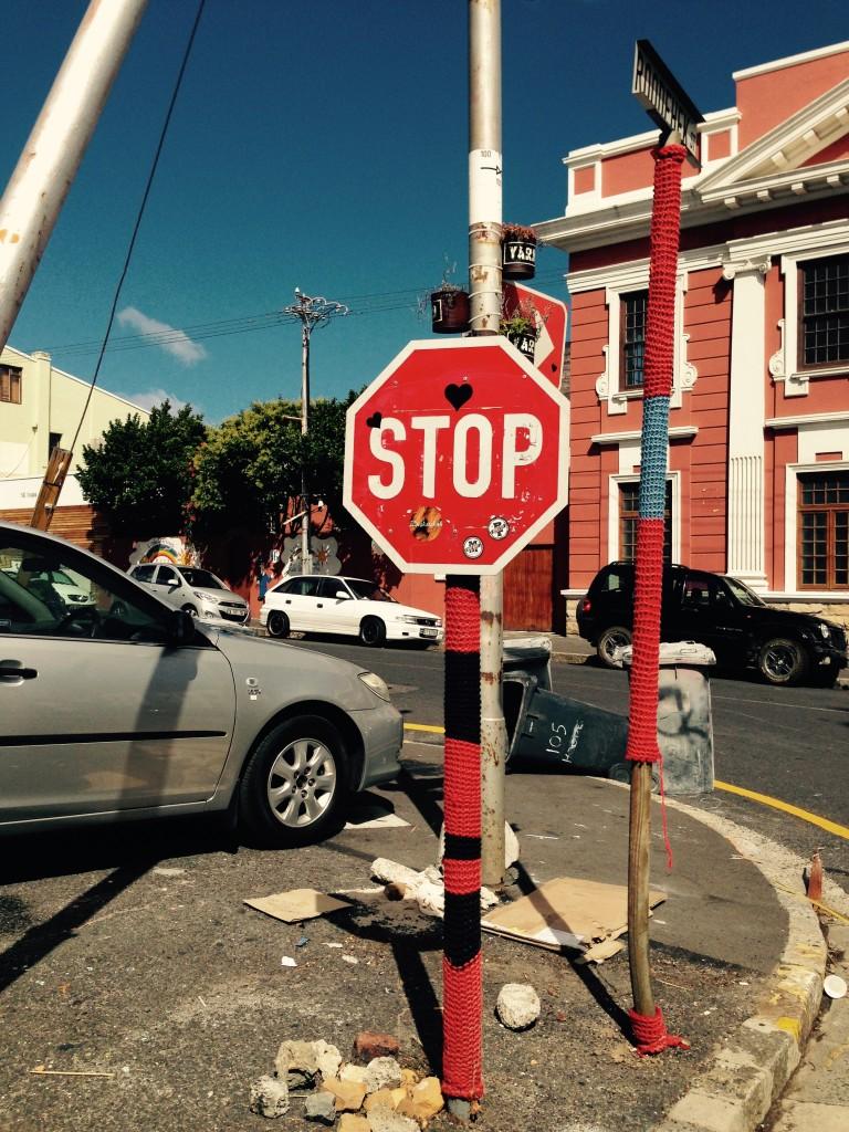 Haltet an für die Liebe. Ich sammle Herzen auf der ganzen Welt. Gefunden in Kapstadt, Südafrika. Cape Town, South Africa, Blog, Anjikoblog, Anjiko, Anja Krause Heart Love liebe stoppschild