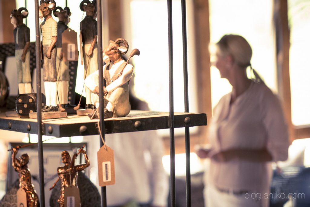 Dekotipp und Inspiration für Home und Living von Astrid, aus einem der schönsten Spa- und Golf Resorts Deutschlands. Mehr im Blog. Anjiko. Anja Krause Blankenhain, Lindner, Spa, Golf, Wellness, Sport, Interieur, Wohnidee, DIY, Shabby, Vintage, Weimar, Restaurant, Hotel, Resort, Luxus, Hochzeit, Heiraten, Golf spielen, Pool, Massage, Kissen, Windlichter, Stoffe, Reisetipp, Urlaubstipp, Urlaub, Reisen, Verreisen, Inspiration, Holz, Natur, Wein, Wohlfühlen, Lindner
